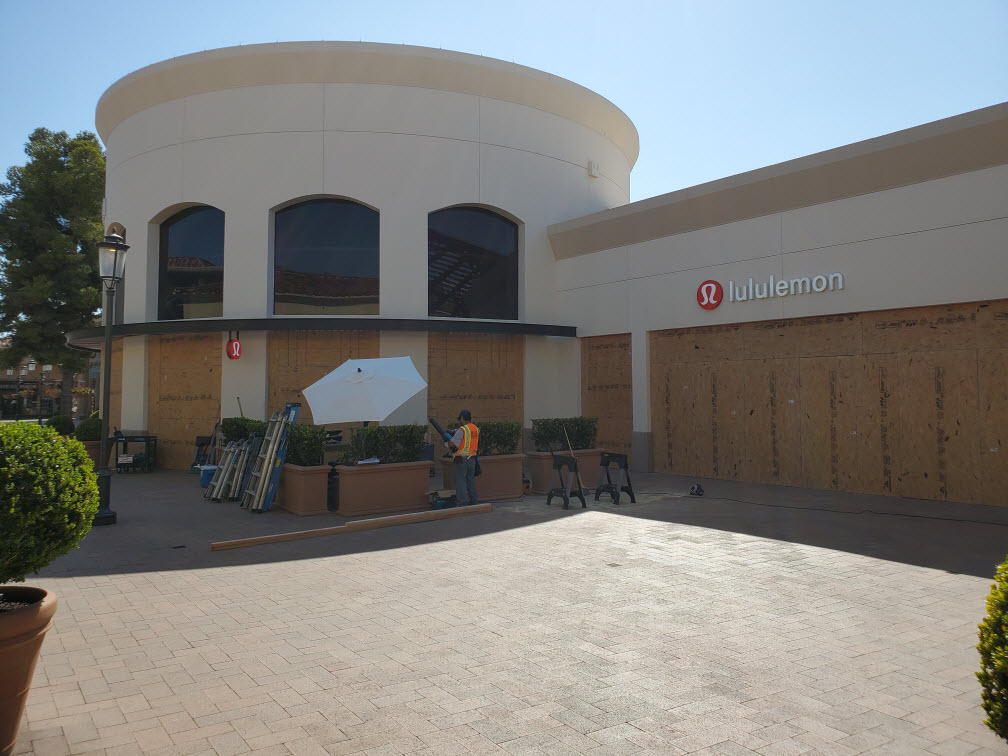 M & M Glass Service of Whittier, CA